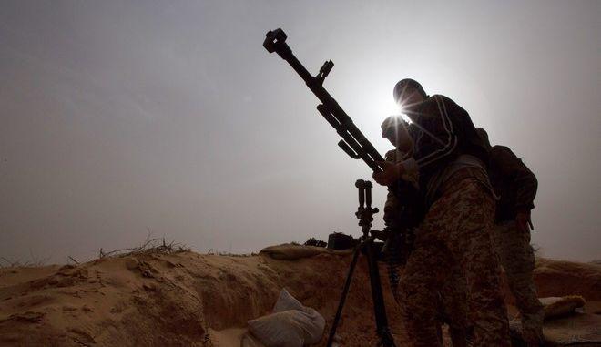 Στρατός στη Λιβύη