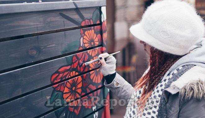 Λαμία: Η φοιτήτρια που θέλει να δώσει χρώμα στα στενά της πόλης