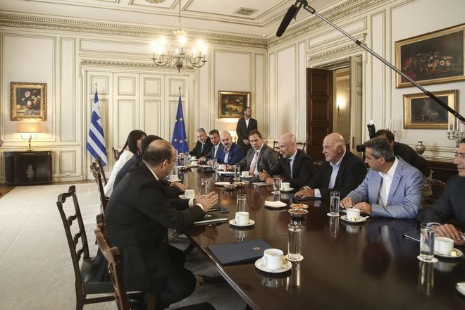 Greece's PM, Alexis Tsipras, meets the president of Greek Tourism Confederationat Giannis Retsos, at Maximos Mansion in Athens, Greece on July 6, 2017. /   ,  ,       ,   , 6  2017.