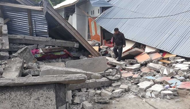 Κατεστραμμένα σπίτια στην Ινδονησία
