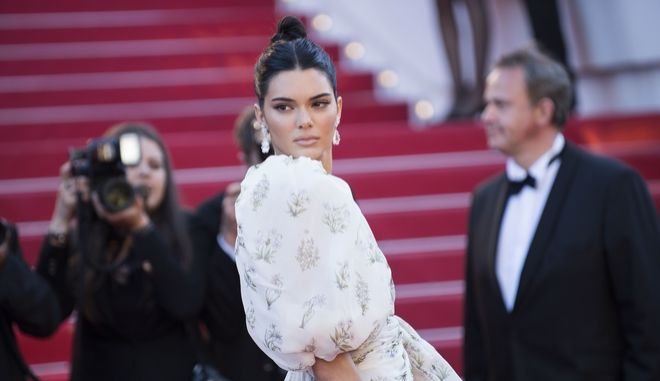 Kendall Jenner poses for photographers upon arrival at the screening of the film 120 Beats Per Minute at the 70th international film festival, Cannes, southern France, Saturday, May 20, 2017. (Photo by Arthur Mola/Invision/AP)