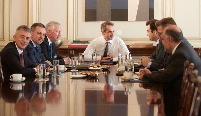 Συνάντηση Κυριάκου Μητσοτάκη με εκπροσώπους των εταιρειών κινητής τηλεφωνίας