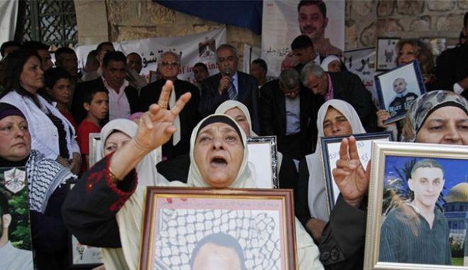 Το Ισραήλ νομοθετεί για την αναγκαστική σίτιση κρατουμένων που κάνουν απεργία πείνας
