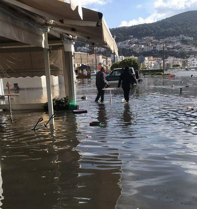 Η άνοδος των θαλάσσιων υδάτων στο Βαθύ της Σάμου μετά τον ισχυρό σεισμό