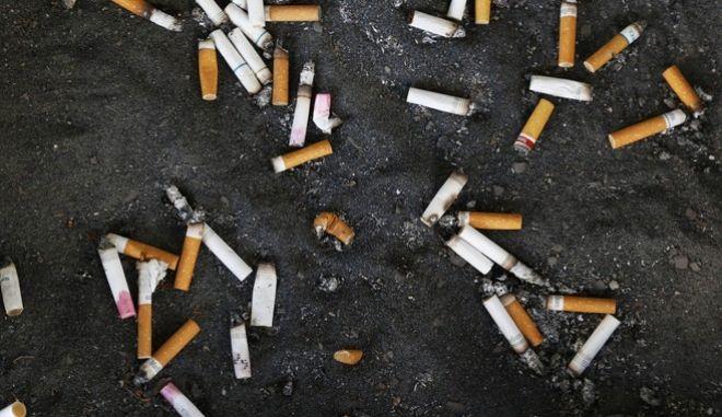 """Το """"κάπνισμα από τρίτο χέρι"""" είναι εξίσου βλαβερό για την υγεία"""