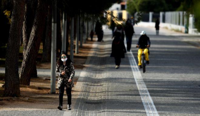 Lockdown στιγμιοτυπα άπο την πόλη της Αθήνας.