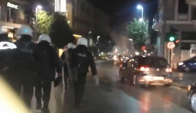 Μικρής έκτασης επεισόδια στην Πάτρα- Τραυματίστηκε αστυνομικός