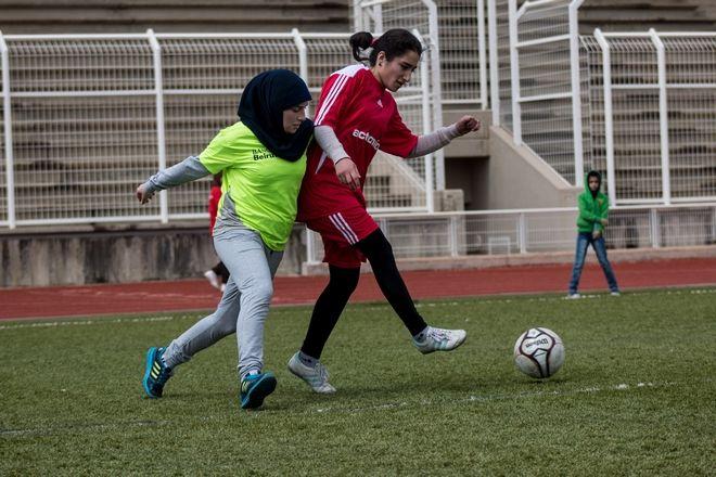 Η Σύρια Hanin σκοράρει στη ζωή και σπάει τα στερεότυπα