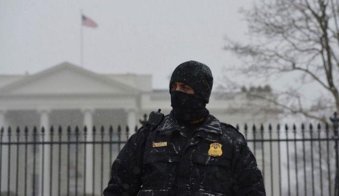 Πλησιάζει την Ουάσινγκτον η χιονοθύελλα Snowzilla. Συστήνεται παύση κυκλοφορίας στους πολίτες