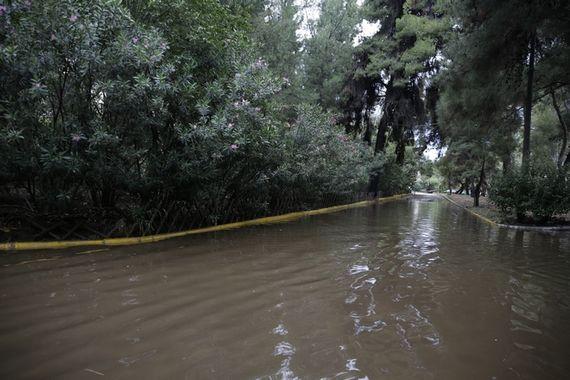 Πλημμυρισμένο το πάρκινγκ του Σωτηρία