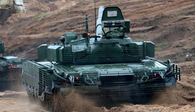 Το νέο υπερόπλο τανκ του Πούτιν ρίχνει βλήματα απεμπλουτισμένου ουρανίου