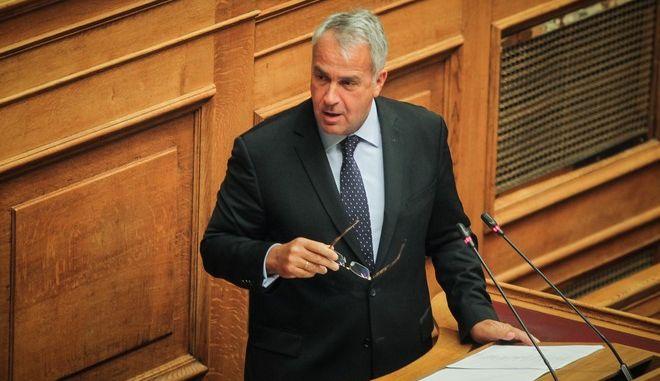 Ο Μάκης Βορίδης, στο βήμα της Βουλής