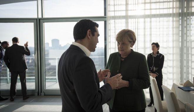 Συνάντηση του πρωθυπουργού Αλέξη Τσίπρα με την Καγκελάριο της Γερμανίας Άνγκελα Μέρκελ στο Βερολίνο, την Παρασκευή 16 Δεκεμβρίου 2016. (EUROKINISSI/ΓΡΑΦΕΙΟ ΤΥΠΟΥ ΠΡΩΘΥΠΟΥΡΓΟΥ/ANDREA BONNETI)