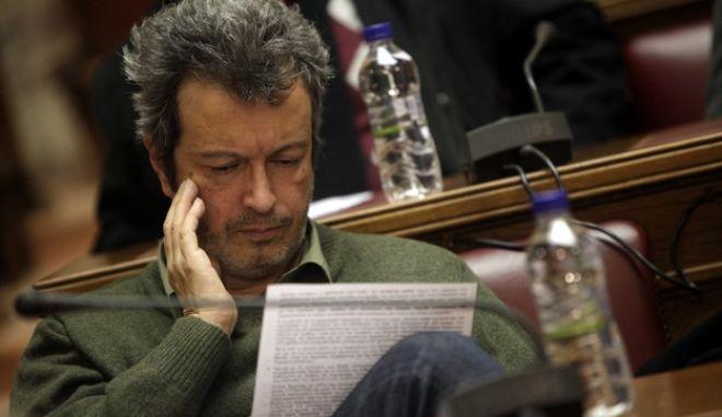 Τατσόπουλος: Κάποιοι στον ΣΥΡΙΖΑ βλέπουν με συμπάθεια τις ιδέες της 17 Νοέμβρη. Τη διαγραφή του ζητά η Ν.Δ