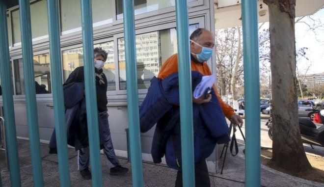 """""""Θερίζει"""" η Γρίπη στην Ελλάδα - 17 νέοι θάνατοι"""