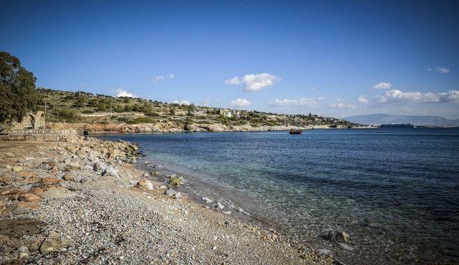 Ολοκληρωτική άρση του απαγορευτικού κολύμβησης σε ακτές του Σαρωνικού
