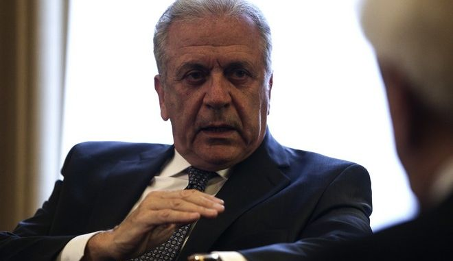 Meeting of the Greek President Prokopis Pavlopoulos and Immigration Commissioner of Internal Affairs and Citizenship for the European Union, Dimitris Avramopoulos, in Athens, Nov. 25, 2016 /     ,      ,       ,  ,  , 25 , 2016