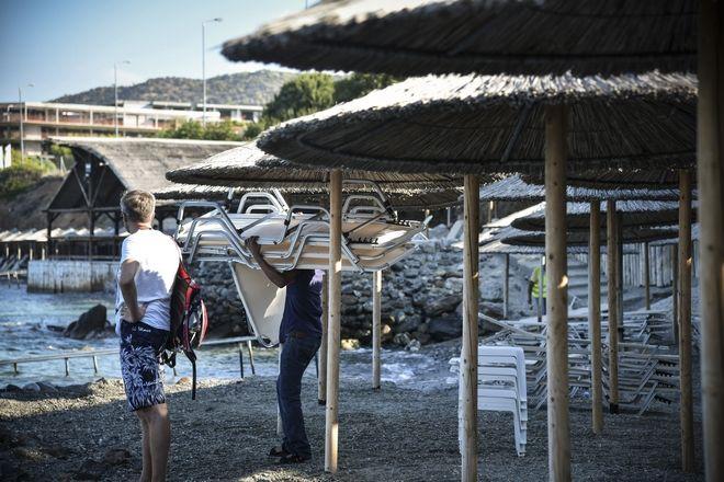 Κατεδάφιση αυθαίρετων εγκαταστάσεων ξενοδοχείου στην Ανάβυσσο