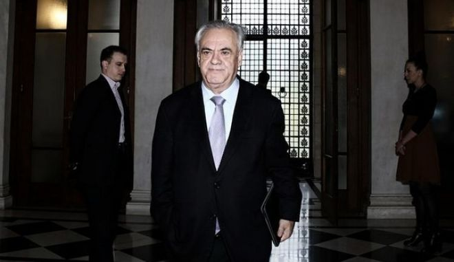 Greece's Prime Minister Alexis Tsipras meets the Governor of the Bank of Greece Yannis Stournaras at Maximos Mansion in Athens, Greece on March 6, 2015. /                 ,    6  2015.