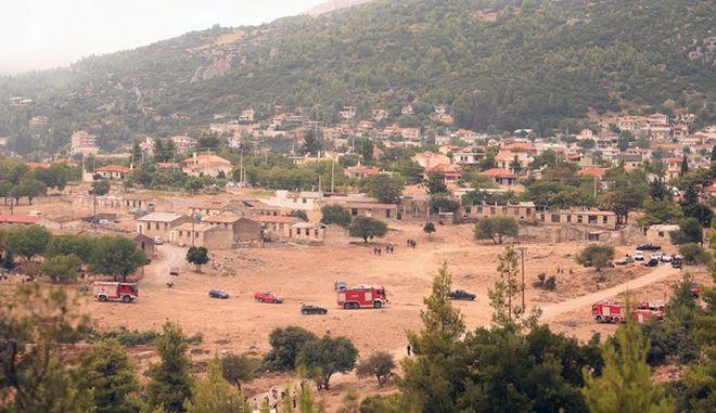 Φωτιά στα Βίλια: Γιατί δεν εστάλη μήνυμα από το 112 για εκκένωση