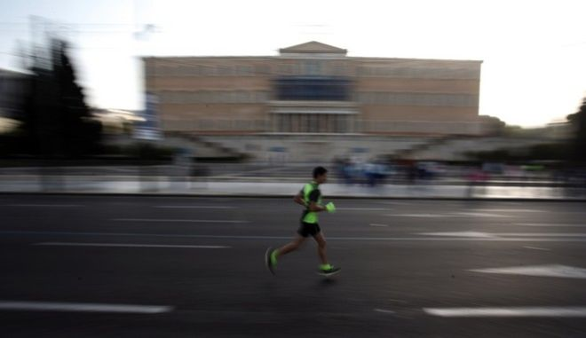 Some 35,000 runners from 102 countries participated in the 32nd Athens Authentic Marathon, on Nov. 9, 2014 /     102     32  ,  9 , 2014