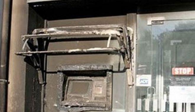 Πυρκαγιές σε δύο ATM στο Χαλάνδρι