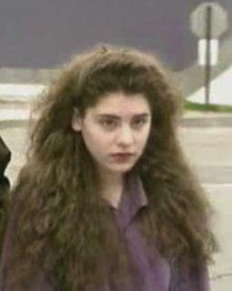 Μηχανή του Χρόνου: Η δολοφονία της 12χρονης Σάντα Σέρερ από 4 ανήλικες. Γιατί τη βασάνισαν και την έκαψαν ζωντανή