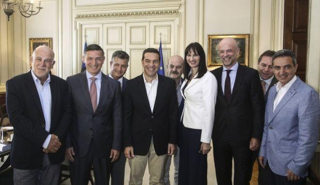 Τσίπρας στη συνάντηση με ΣΕΤΕ: 'Να σπάσουμε το φράγμα των 30 εκατ. επισκεπτών'