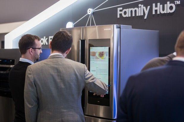 Οι έξυπνοι άνθρωποι αγοράζουν έξυπνες οικιακές συσκευές