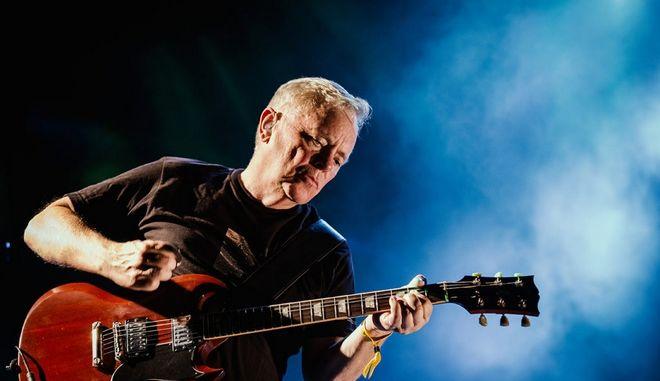New Order - Johnny Marr: Όταν οι θρύλοι συναντήθηκαν στη σκηνή του Release