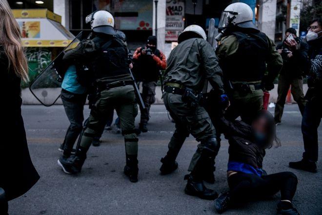 Συγκέντρωση αλληλεγγύης για τον απεργό πείνας Δημήτρη Κουφοντίνα στην Αθήνα, Παρασκευή 19 Φεβρουαρίου 2021.  (EUROKINISSI/ ΤΑΤΙΑΝΑ ΜΠΟΛΑΡΗ)