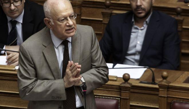 Ο υπουργός Οικονομίας Δημήτρης Παπαδημητρίου στην σύζητηση επίκαιρων ερωτήσεων στην Βουλή την Παρασκευή 15 Σεπτεμβρίου 2017. (EUROKINISSI/ΓΙΩΡΓΟΣ ΚΟΝΤΑΡΙΝΗΣ)