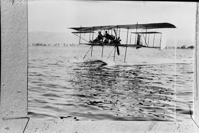 Για τον Καμπέρο «η Αεροπορία ήταν σαν ένα στενό κοστούμι, σαν ένα δέρμα πάνω του»
