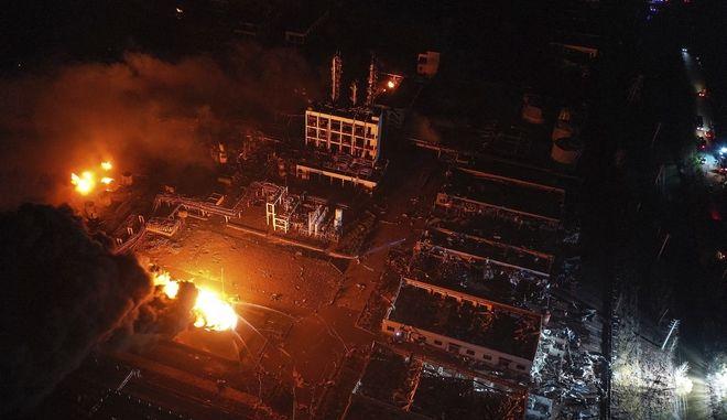 Κίνα: Ανέβηκε ο επίσημος απολογισμός της καταστροφικής έκρηξης σε χημικό εργοστάσιο