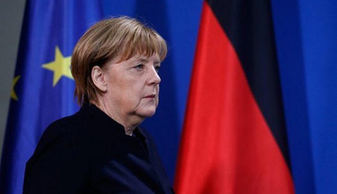 Επίθεση στο Βερολίνο: Η ακροδεξιά κατηγορεί τη μεταναστευτική πολιτική της Μέρκελ