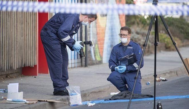 Στιγμιότυπο από το σημείο έξω από το κλαμπ στη Μελβούρνη που σημειώθηκε το περιστατικό με πυροβολισμούς