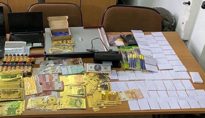 Ρόδος: Συνελήφθη παραχαράκτης με μεγάλο αριθμό πλαστών χαρτονομισμάτων