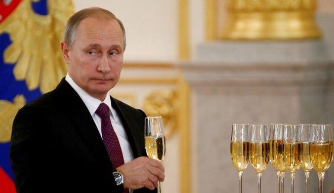 Η Μόσχα καλεί την Ουάσινγκτον για την αποκατάσταση των σχέσεών τους
