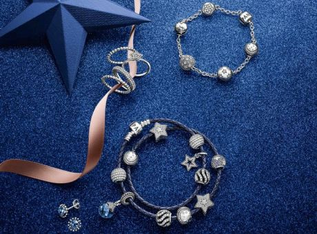 PANDORA Christmas Collection 2014  Ιδιαίτερα κοσμήματα που λάμπουν σαν  έναστρος ουρανός! a433f199a4c