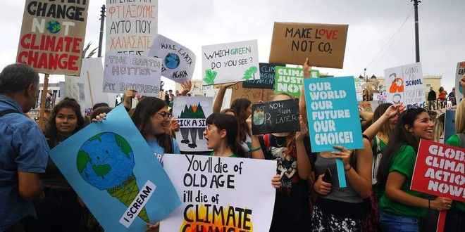 Παγκόσμια ευαισθητοποίηση για το Κλίμα: Πορεία μαθητών στο κέντρο της Αθήνας