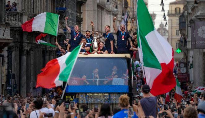 """Ιταλία: """"Έκρηξη"""" κρουσμάτων στη Ρώμη μία εβδομάδα μετά την κατάκτηση του Euro"""