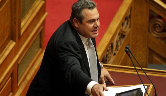 ΑΘΗΝΑ-Βουλή ,συζήτηση 2η ημέρα για την παροχή ψήφου εμπιστοσύνης στην κυβέρνηση Γ. Παπανδρέου, που θα ολοκληρωθεί την Παρασκευή τα μεσάνυχτα με ονομαστική ψηφοφορίαΑΘΗΝΑ-Βουλή ,συζήτηση για την παροχή ψήφου εμπιστοσύνης στην κυβέρνηση Γ. Παπανδρέου// ΣΤΗ ΦΩΤΟΓΡΑΦΙΑ Ο ΠΑΝΟΣ ΚΑΜΜΕΝΟΣ ΒΟΥΛΕΥΤΗΣ ΝΔ(EUROKINISSI-ΓΙΩΡΓΟΣ ΚΟΝΤΑΡΙΝΗΣ)