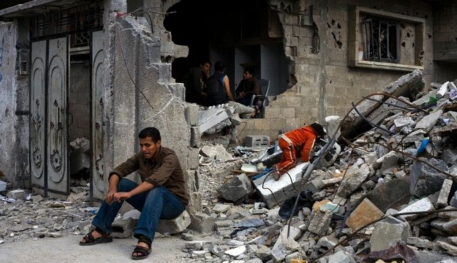 Εικόνες από προηγούμενο βομβαρδισμό της Γάζας.
