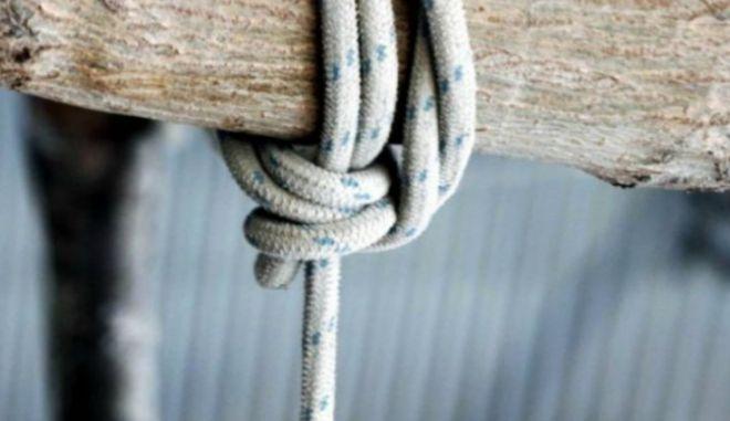Αίγιο: 28χρονος βρέθηκε κρεμασμένος σε υπόστεγο αγροτικής κατοικίας
