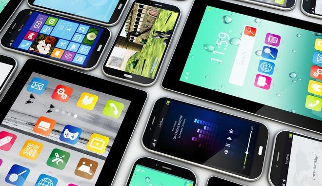 Πώς τα μεγάλα smartphones κατατρόπωσαν τα τάμπλετ