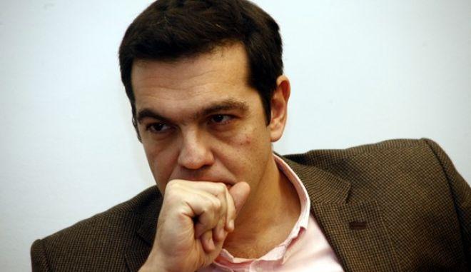 ΑΘΗΝΑ-Με αντιπροσωπεία της Eνωσης Καταναλωτών και Ποιότητας Ζωής -Ε.Κ.ΠΟΙ.ΖΩ. συναντήθηκε ο πρόεδρος του ΣΥΡΙΖΑ, Αλέξης Τσίπρας.(EUROKINISSI-ΑΛΕΞΑΝΔΡΟΣ ΖΩΝΤΑΝΟΣ)