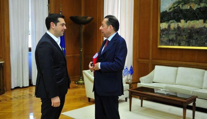 Συνάντηση του πρωθυπουργού, Αλέξη Τσίπρα, με τον πρόεδρο της Ευρωομάδας των Σοσιαλιστών και Δημοκρατών Τζιάνι Πιτέλα, την Παρασκευή 26 Φεβρουαρίου 2016. (EUROKINISSI/ΑΝΤΩΝΗΣ ΝΙΚΟΛΟΠΟΥΛΟΣ)