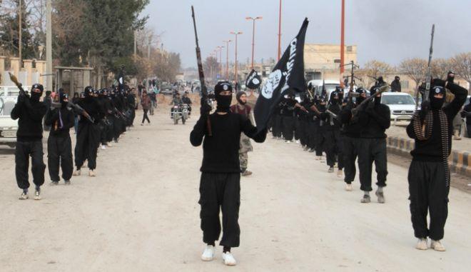 Τουρκία σε Ρωσία: Μην χτυπάτε Σύρους αντάρτες, μόνο το ISIS