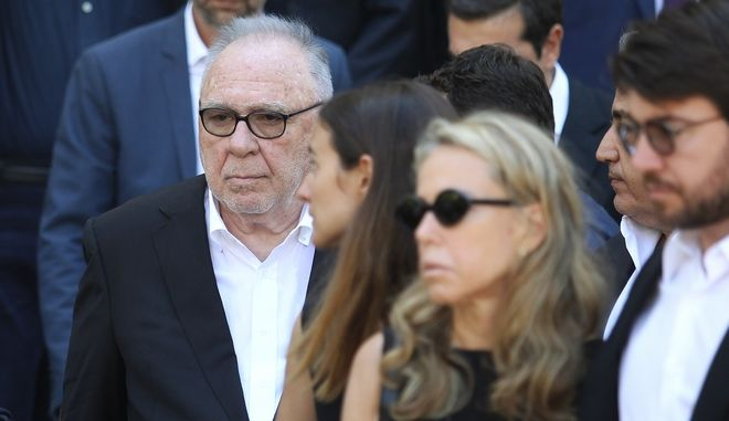 Ο Σωκράτης Κόκκαλης στην κηδεία του γιου του
