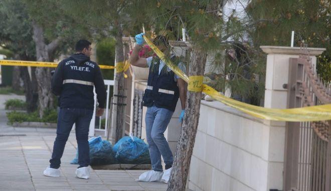 Έγκλημα στην Κύπρο: Ανακρίνεται ο 15χρονος γιος του ζευγαριού